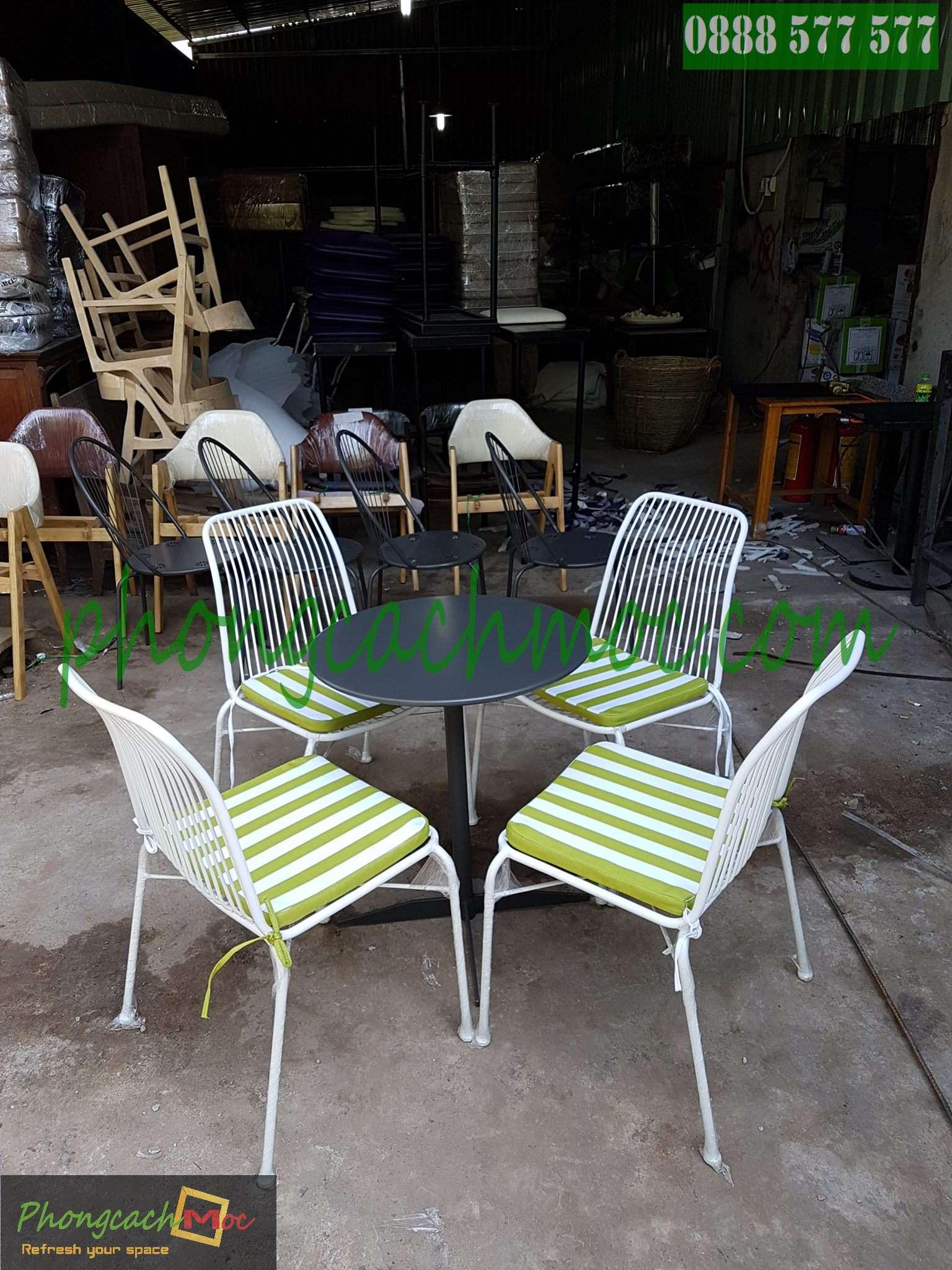Bàn ghế gỗ khung sắt, bàn ghế gỗ chân sắt, bàn ghế xếp quán nhậu